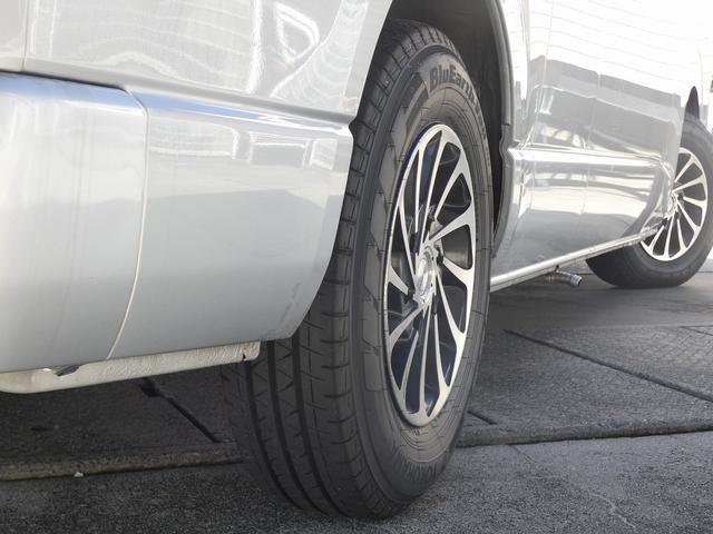 ナッツRV ラディッシュ 8ナンバーキャンピング ツインサブバッテリー 1500Wインバーター FFヒーター マックスファン ソーラーパネル フリップダウンモニター サイドオーニング(28枚目)