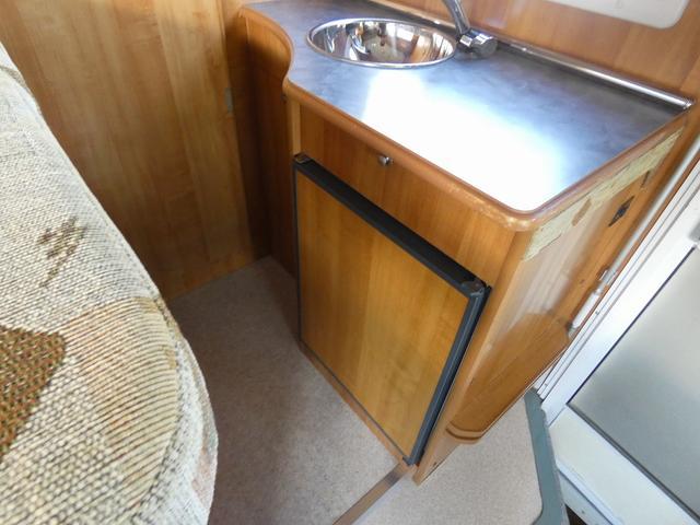 バンテック ジル480 8ナンバーキャンピング トリプルサブバッテリー 1500Wインバーター 家庭用エアコン FFヒーター 冷蔵庫 電子レンジ シンク ソーラーパネル クルーズコントロール(14枚目)