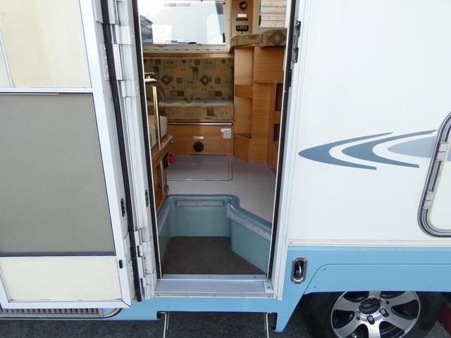 バンテック ジル480 8ナンバーキャンピング トリプルサブバッテリー 1500Wインバーター 家庭用エアコン FFヒーター 冷蔵庫 電子レンジ シンク ソーラーパネル クルーズコントロール(17枚目)