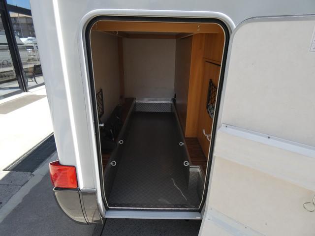フォード トランジット ハイマーエクシス512 ツインサブバッテリー 1500Wインバーター 冷蔵庫 シンク 電子レンジ 温水ボイラー シャワー トイレ FFヒーター ソーラーパネル(17枚目)