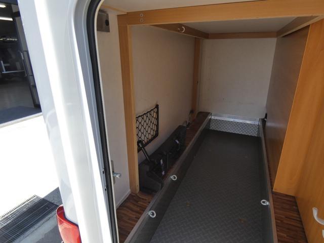 フォード トランジット ハイマーエクシス512 ツインサブバッテリー 1500Wインバーター 冷蔵庫 シンク 電子レンジ 温水ボイラー シャワー トイレ FFヒーター ソーラーパネル(29枚目)