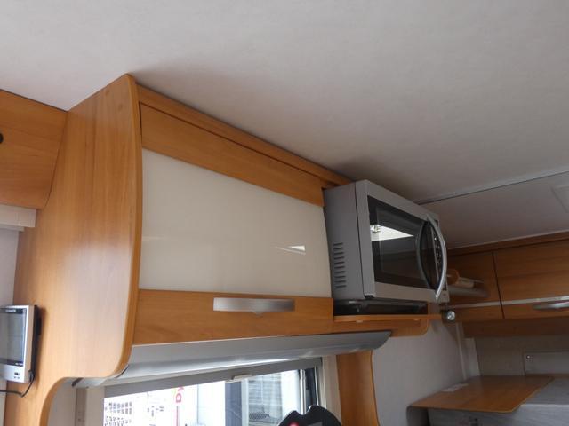 フォード トランジット ハイマーエクシス512 ツインサブバッテリー 1500Wインバーター 冷蔵庫 シンク 電子レンジ 温水ボイラー シャワー トイレ FFヒーター ソーラーパネル(30枚目)