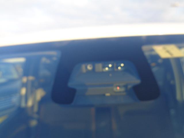 デュアルセンサーブレーキサポート装備、安全運転をサポートします。