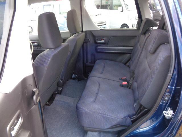 後席シートもゆったり座って頂けます。
