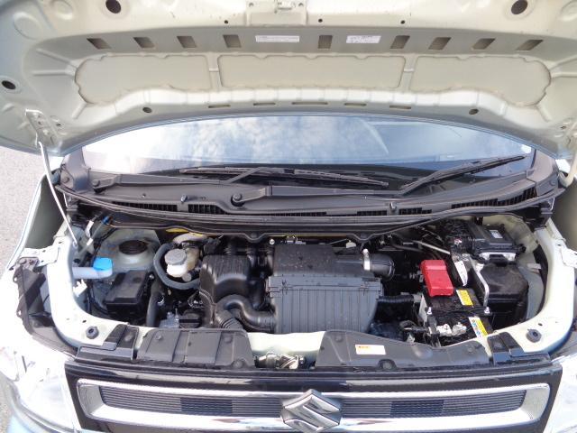 加速時にモーターでエンジンアシスト。低燃費に貢献するハイブリッドエンジン