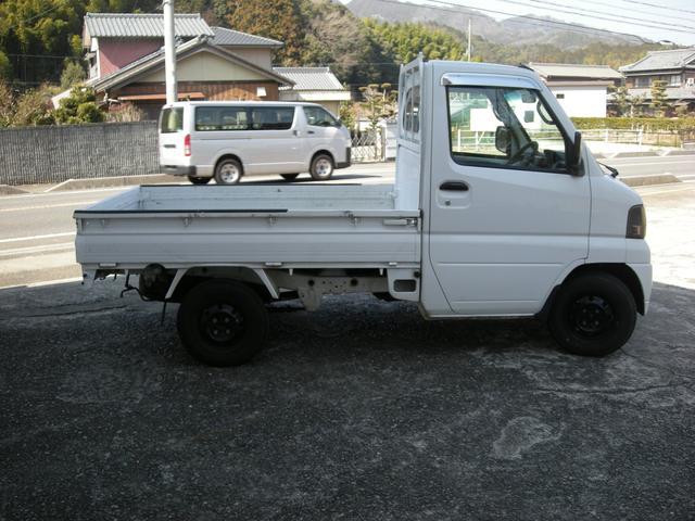 ベースグレード 5速マニュアル 2WD 三方開 軽トラ(4枚目)
