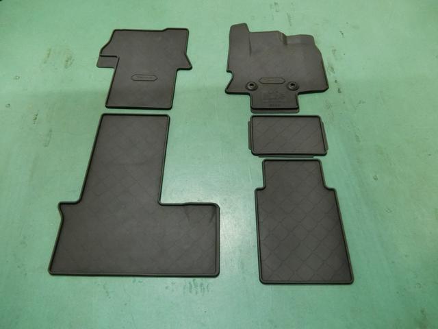 カスタムX 両側電動スライドドア パノラマモニター付き(32枚目)