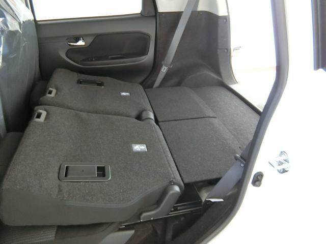 カスタム XリミテッドII SAIII 衝突被害軽減ブレーキ 横滑り防止装置 オートマチックハイビーム アイドリングストップ ステアリングスイッチ キーフリーシステム オートエアコン バイザー マット パノラマモニター LEDヘッドランプ(33枚目)