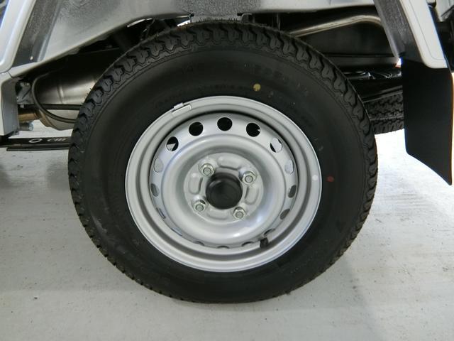 スタンダードSAIIIt 衝突被害軽減ブレーキ 横滑り防止装置 パートタイム4WD 5速MT車 バイザー マット 純正オーディオ 吸殻入れ エアコン エアバック 手動式ウィンドウ ライトマニュアルレベリング LEDヘッドランプ(17枚目)