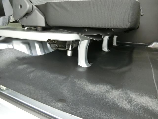 スペシャルSAIII 衝突被害軽減ブレーキ 横滑り防止装置 オートマチックハイビーム アイドリングストップ 両側スライドドア パートタイム4WD 5速MT車 エアコン エアバック パワーウィンドウ 純正オーディオ バイザー(26枚目)