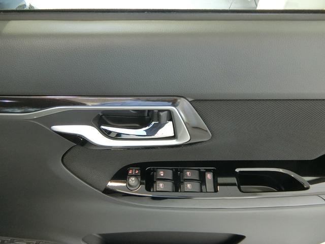 カスタム RS ハイパーリミテッドSAIII 衝突被害軽減ブレーキ 横滑り防止装置 オートマチックハイビーム アイドリングストップ ステアリングスイッチ 革巻きハンドル オートライト ベンチシート シートヒーター キーフリーシステム LED(11枚目)