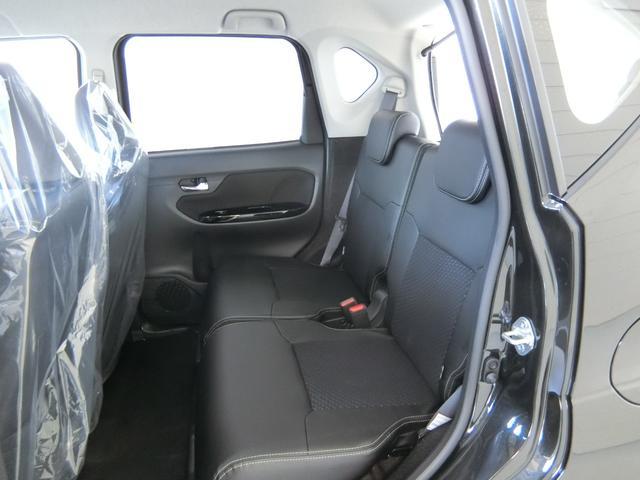 カスタム RS ハイパーリミテッドSAIII 衝突被害軽減ブレーキ 横滑り防止装置 オートマチックハイビーム アイドリングストップ ステアリングスイッチ 革巻きハンドル オートライト ベンチシート シートヒーター キーフリーシステム LED(13枚目)