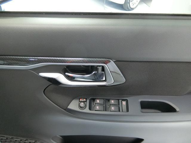 カスタム XリミテッドII SAIII 衝突被害軽減ブレーキ 横滑り防止装置 オートマチックハイビーム パノラマモニター アイドリングストップ LEDヘッドランプ フォグランプ 純正アルミホイール ステアリングスイッチ キーフリーシステム(12枚目)