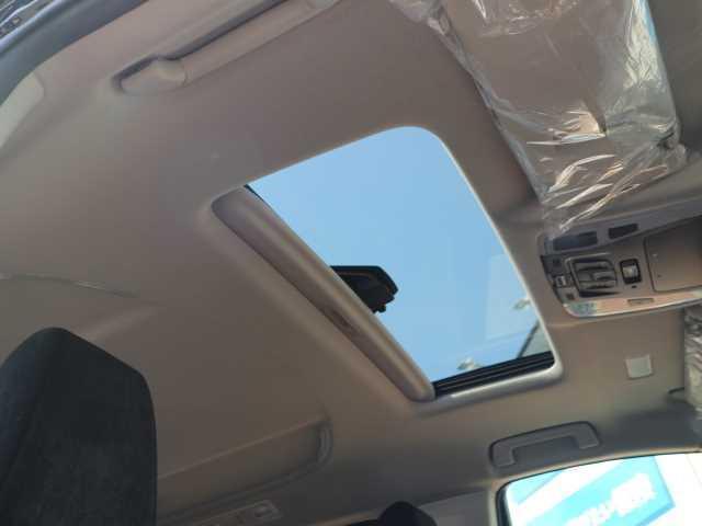 S 7人乗り 両側電動スライド サンルーフ Dオーディオ 衝突被害軽減 車線逸脱防止 レーダークルーズ バックカメラ 純正18インチAW LEDヘッド スマートキー プッシュスタート オットマン バックカメラ(4枚目)