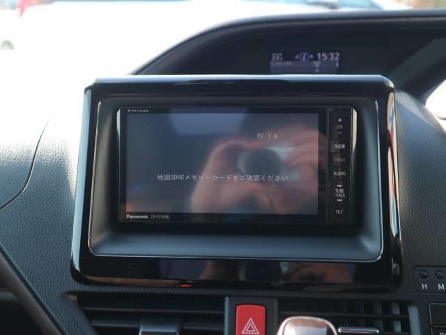ストラーダ7型ナビに映し出されるバックカメラ画像はフルカラーで後方確認も安心ですね。