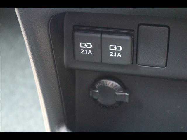 Si ダブルバイビーIII 新車未登録 両側電動ドア クリアランスソナー セーフティセンス 純正アルミ スマートキー ハーフレザー クルーズコントロール LEDヘッドライト プッシュスタート USBポート(8枚目)