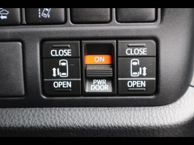 ZS GRスポーツ 10型ナビ バックカメラ ETC フルセグ フリップダウン 両側電動ドア ハーフレザー 純正アルミ スマートキー プッシュスタート セーフティセンス LEDヘッドライト(7枚目)