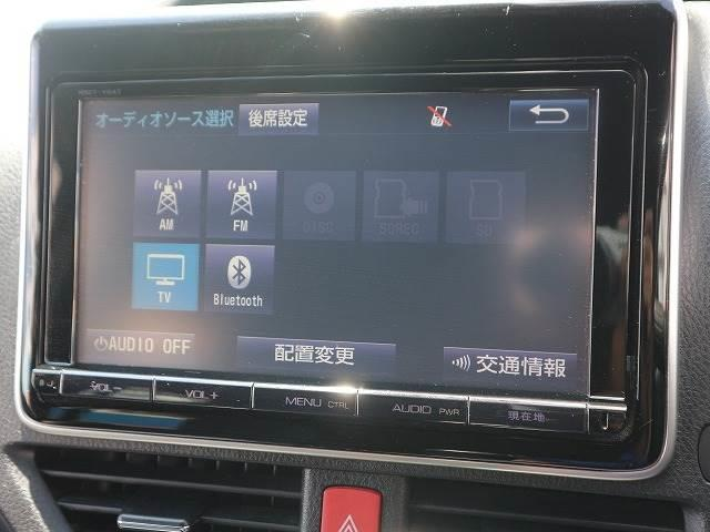 純正10型SDナビゲーション。フルセグ、DVD再生、Bluetooth搭載♪