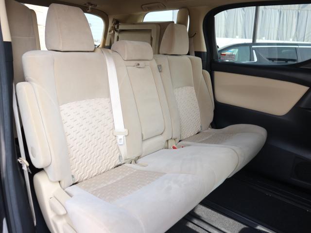 オリジナルシートカバーはいかがでしょうか?車両別設計でフィッティングも良好。生地・ステッチ色等、ご自由にお選び頂ける「ロイヤルカスタムシートカバー」もございます。