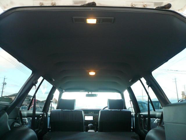 トヨタ クラウンステーションワゴン スーパーデラックス 丸目4灯 メッキバンパー