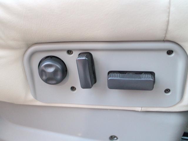シボレー シボレー サバーバン LT24インチAW社外4本出しマフラーナビETC