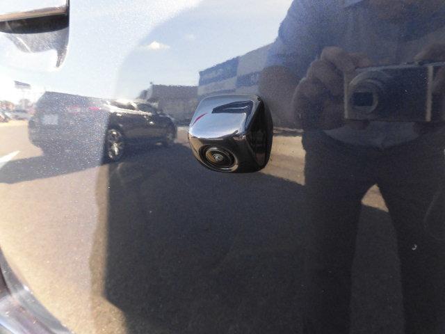 バックカメラ装着で楽々駐車。