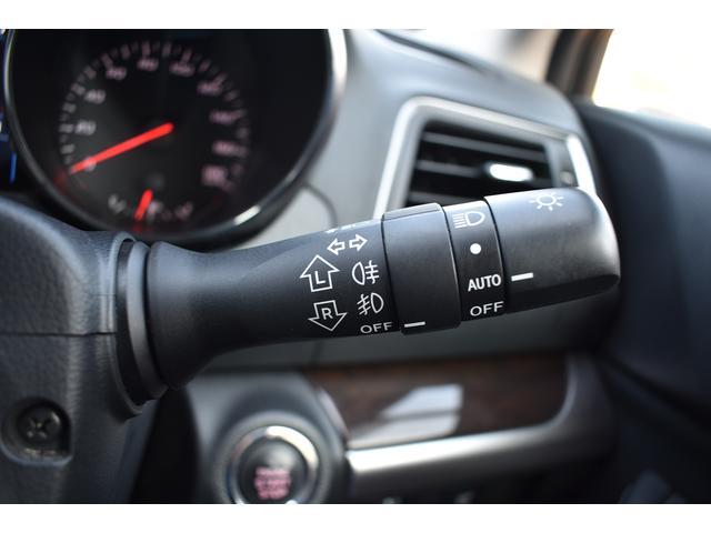[オートライト]センサーで周囲の明るさを検知して自動でヘッドランプが点灯してくれます!
