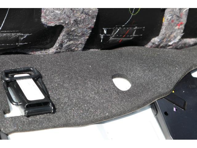 スーパーGL ダークプライム ディーゼル 4WD ワンオーナー 禁煙車 プッシュスタート スマートキー 両側パワースライドドア LEDヘッドライト トヨタセーフティセンス LEDフォグ コンフォートリーフ 寒冷地仕様 防音 熱対策(8枚目)