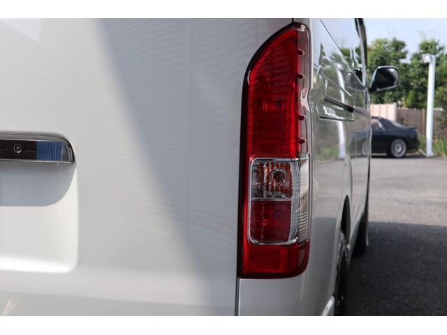 スーパーGL ダークプライム ディーゼル 4WD ワンオーナー 禁煙車 プッシュスタート スマートキー 両側パワースライドドア LEDヘッドライト トヨタセーフティセンス LEDフォグ コンフォートリーフ 寒冷地仕様 防音 熱対策(21枚目)