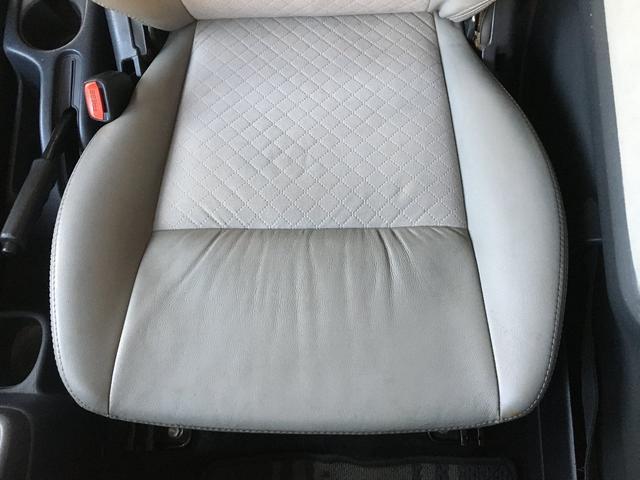 ランドベンチャー 禁煙車 4WD オフロードタイヤ ターボ ETC ナビ DVD シートヒーター  ハーフレザーシート 純正16インチAW(25枚目)