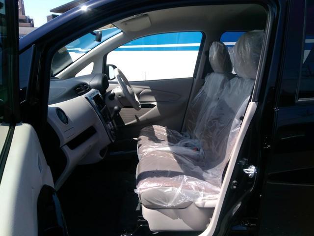 フロアマットやドアバイザー、シートカバーなどの後付オプションもご提案させて頂きます!
