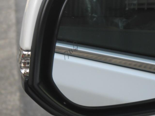 SR Cパッケージ 登録済未使用車 商品改良モデル 4WD 両側パワースライドドア ダブルサンルーフ付 電動革シート オットマン付 7人乗り/キャプテンシートディスプレイオーディオ バックカメラ 被害軽減システム(19枚目)