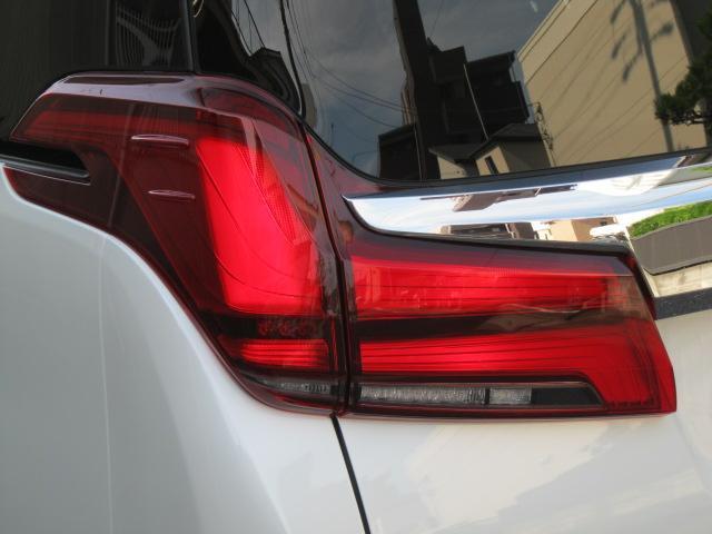 SR Cパッケージ 登録済未使用車 商品改良モデル 4WD 両側パワースライドドア ダブルサンルーフ付 電動革シート オットマン付 7人乗り/キャプテンシートディスプレイオーディオ バックカメラ 被害軽減システム(21枚目)