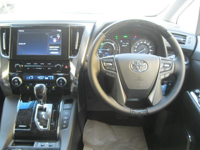 SR Cパッケージ 登録済未使用車 商品改良モデル 4WD 両側パワースライドドア ダブルサンルーフ付 電動革シート オットマン付 7人乗り/キャプテンシートディスプレイオーディオ バックカメラ 被害軽減システム(27枚目)