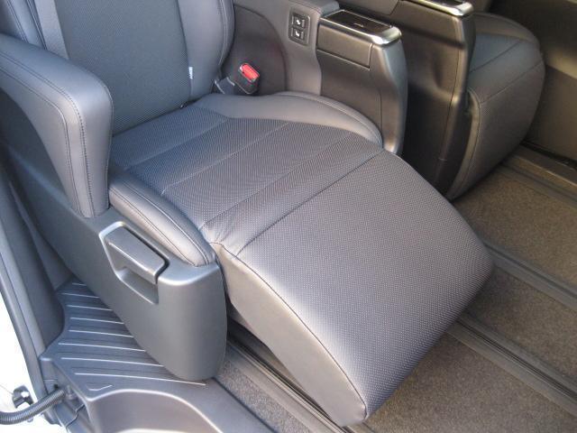 SR Cパッケージ 登録済未使用車 商品改良モデル 4WD 両側パワースライドドア ダブルサンルーフ付 電動革シート オットマン付 7人乗り/キャプテンシートディスプレイオーディオ バックカメラ 被害軽減システム(60枚目)