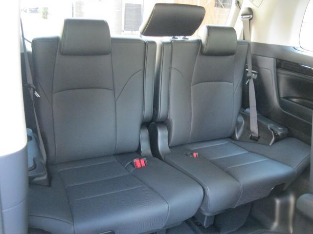 SR Cパッケージ 登録済未使用車 商品改良モデル 4WD 両側パワースライドドア ダブルサンルーフ付 電動革シート オットマン付 7人乗り/キャプテンシートディスプレイオーディオ バックカメラ 被害軽減システム(68枚目)