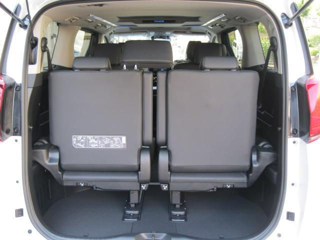 SR Cパッケージ 登録済未使用車 商品改良モデル 4WD 両側パワースライドドア ダブルサンルーフ付 電動革シート オットマン付 7人乗り/キャプテンシートディスプレイオーディオ バックカメラ 被害軽減システム(69枚目)