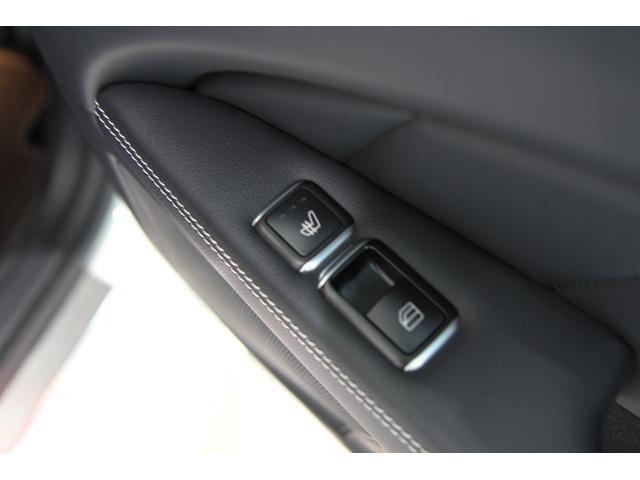 ★後部座席のシートヒーターもウィンドウスイッチ横にございます★