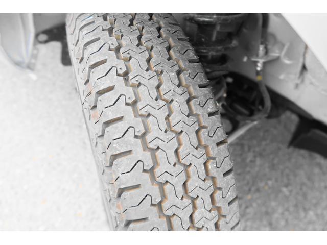 ★タイヤも軽トラ用の専用タイヤがついてます★