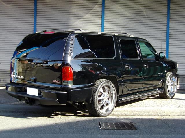 GMC GMC ユーコン XL 4WD スーパーチャージャー 新車並行 1ナンバー