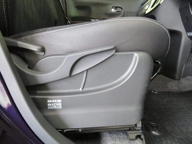 運転席シートリフター付きです。