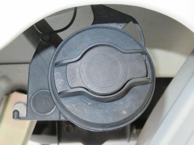 燃料キャップにロック付いています。
