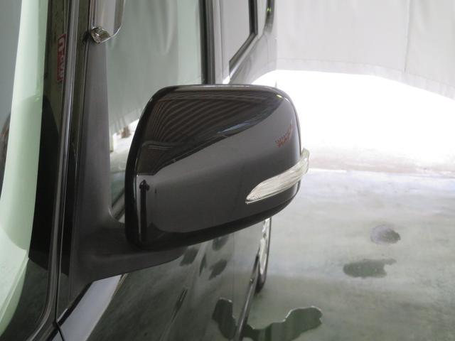安全性が高まるドアミラーウインカー付き