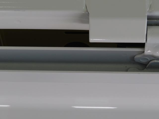エクストラSAIIIt 2WD MT キーレス LEDフォグランプ 荷台照明灯 あゆみ板掛けテールゲートチェーン 衝突被害軽減ブレーキ 車線逸脱警報機能 誤発進抑制機能 先行車発進知らせ機能 元試乗車(38枚目)