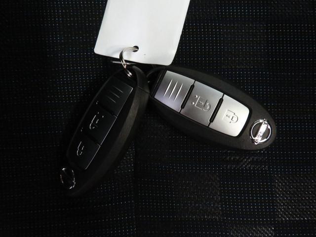 ハイウェイスター X ワンオーナー 走行11945km 衝突被害軽減装置 9型純正地デジナビ DVD再生 Bluetooth対応 全周囲カメラ 純正アルミ ドラレコ シートヒーター ディスプレイ付ルームミラ-盗難警報(19枚目)