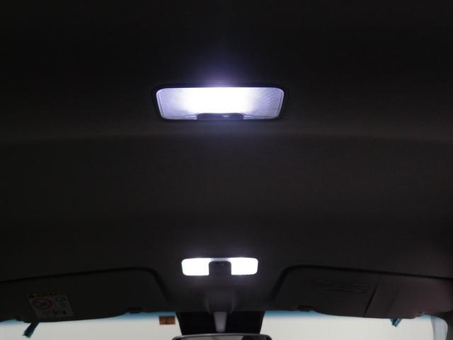 カスタム XリミテッドII SAIII 届出済未使用車 走行8km 全周囲カメラ 純正アルミ LEDヘッドライト オートハイビーム オートライト オートエアコン 運転席シートヒーター 盗難警報 衝突被害軽減ブレーキ スマアシIII(18枚目)