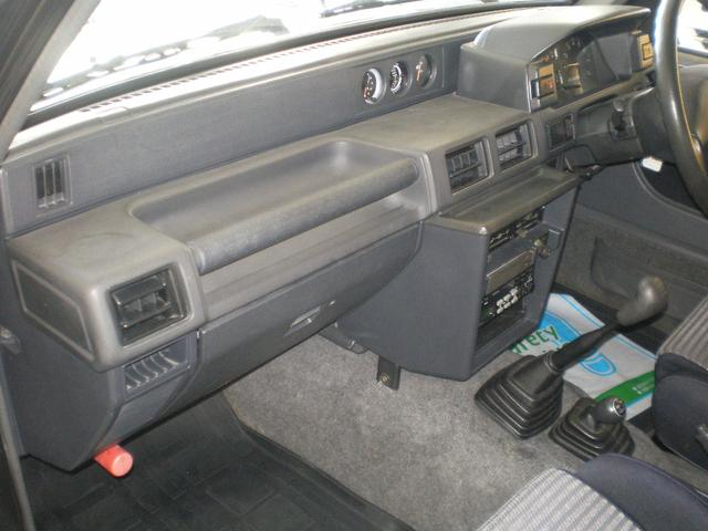 ダイハツ ロッキー カンタベリー 5速マニュアル 1600CCガソリン車