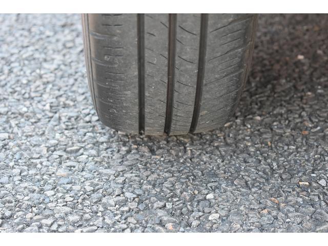 左後ろタイヤです