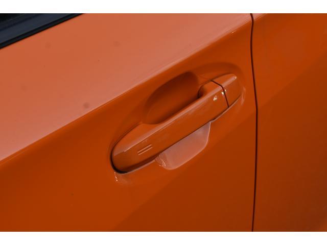 アクセスキーを持っていればドアノブのところにあるスイッチでドアの施錠、解除ができとても便利です!