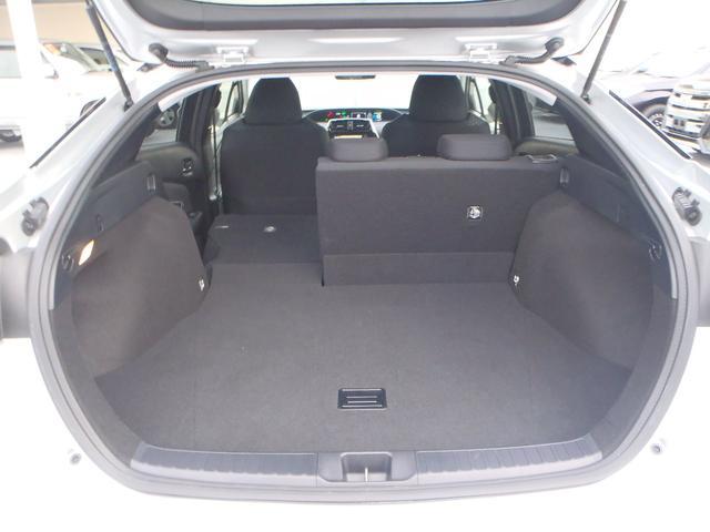 トヨタ プリウス S  SDナビ ETC  レーダークルーズ 新車保証継承